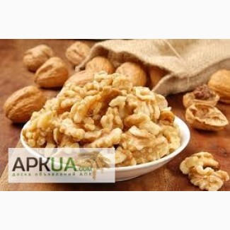Закупаем светлую 1/4 грецкого ореха по всей Украине