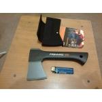 Продам 2 топора Fiskars - x5 и x7