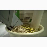 Очищення зерна до 99.5% на МПО (решета) + КВ2 (калібрування), на вібропневмостолі