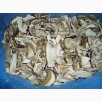 Белый гриб сушеный, порезаный